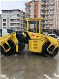 Bomag BW 202 AD, 2011, Twin drum rollers