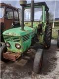 Deutz 4006, Traktorer