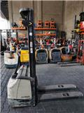 Crown WF 3000, 2012, Pedestrian stacker