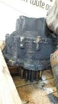 Hitachi UH 143, Transmission