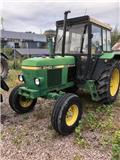John Deere 2140, Traktoren