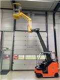 Maxtruck 2T Heftruck/hoogwerker, 2017, Compact self-propelled boom lifts