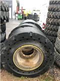 SG REVOLUTION Wheel Loader Solid Tyres Volvo L 110, 2011, Dæk og hjul