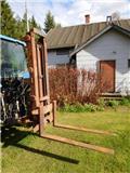 Trukkinostin traktoriin hydraulinen myydään huutokaupalla, Muut kuormaus- ja kaivuulaitteet sekä lisävarusteet