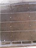 Støbejerns riste 90 cm ca. 50 løbende meter, Ostale mašine i oprema za stoku