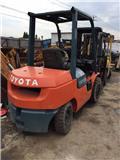 Toyota 7 FD 30、2012、柴油卡車