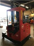 BT FRE 270, 2012, 4-way reach trucks