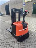 BT SPE 160, 2010, Pedestrian stacker