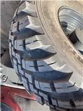 BKT 540/65R30 ja 650/65R42 IND, Dual wheels