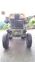 Kubota B 7000, Traktorer