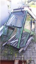 Fendt 250 V, Forestry Cabin