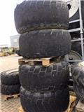 Michelin 24 R20.5 XS op 10 gaats velg, Tyres