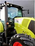 CLAAS 820 m/fronthydraulik, 2007, Traktorer