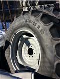 Mitas 420/85R30, Däck, hjul och fälgar
