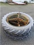 Tvillinghjul 12.4R36, Tvillinghjul