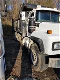 Mack RD 690 S, 2001, Dump Trucks
