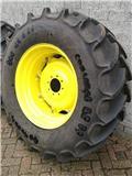 Continental banden met velg 540/65R30, Wheels