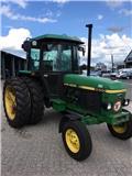 John Deere 2650, Traktorok