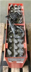 Gruma 24 V 3 PzS 375 Ah, 2013, Ostali priključci i komponente