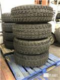 Set of 4 Humvee HMMWV Tires, Roomikud