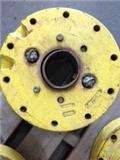 John Deere 110, 2000, Wheels