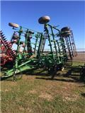 John Deere 2210, 2008, Cultivators