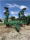 John Deere 2210, 2012, Cultivators
