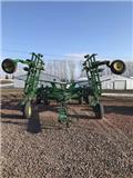 John Deere 2410, 2008, Chisel ploughs