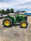 John Deere 5055 E, 2017, Traktoren