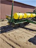 John Deere 7000, Planters