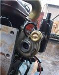 Caterpillar 305, Motory