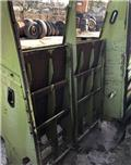 Claas Dominator 76, Farm machinery