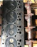 Valtra 900, Motores