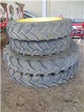 Kleber 11.2R38 und 12.4R52, Reifen