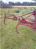 Kverneland 2 tands, Conventional ploughs