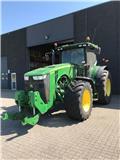 John Deere 8335 R, Traktorji