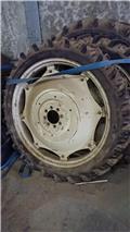 Kleber 9,5R44 SPRØJTEHJUL, 1995, Tires, wheels and rims