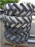 BKT 15.5/80-24, Tyres, wheels and rims