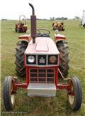 International 27, Traktori