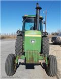 John Deere 4430, Traktorok