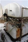 Sprayer Specialties SB1400SS, 1999, Tanks
