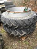 Goodyear 13.6-38 2 stænger pr. hjul, Tvillinghjul