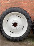 Taurus 300/95 R46 95% gummi, Reifen