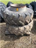 Pirelli 16.9 R24, Dual Wheels