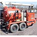 Ditch Witch FX 30, 2011, Tanktrailere