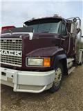 Mack CH 613, 2000, Tank Trucks