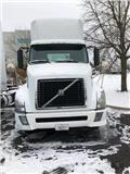 Volvo VNL 64 T300, 2010, Conventional Trucks / Tractor Trucks
