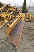 WBM J/DEERE - CASE BACKHOE 10', Plows