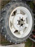 Kleber 9.5x32, Tires, wheels and rims