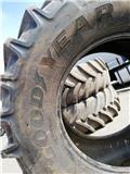 Goodyear 800/70R42, Riepas, riteņi un diski